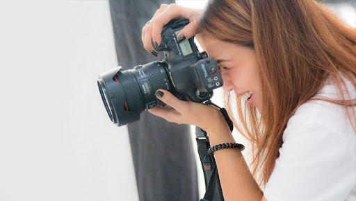 ช่างภาพถ่ายรูปสินค้า